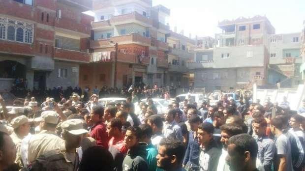 تشييع جثمان الشهيد أحمد علي بمسقط رأسه في الزقازيق