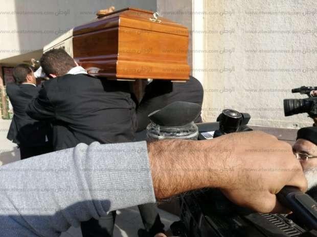 وصول جثمان المخرج سمير سيف إلى كنيسة العذراء مريم