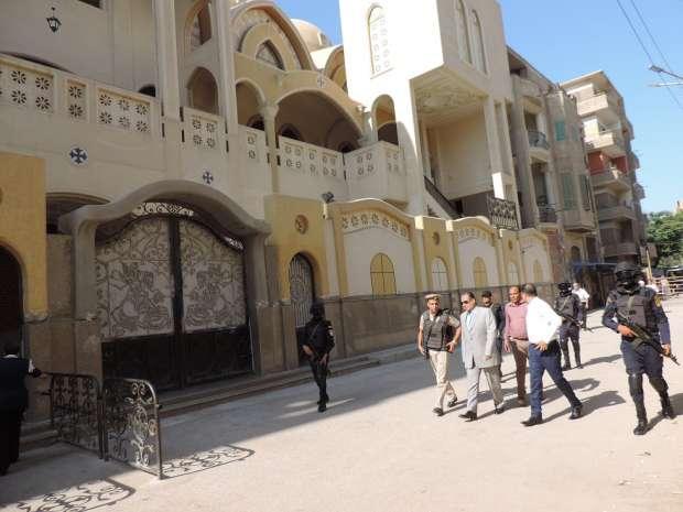 صور.. مدير أمن الفيوم يشدد على قوات تأمين المنشآت والكنائس باليقظة