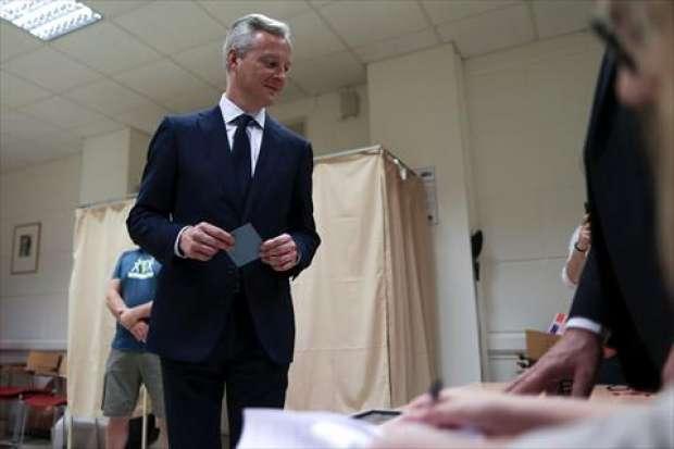 فتح مراكز الاقتراع للدورة الثانية من الانتخابات التشريعية في فرنسا