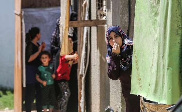 تشييع جثمان أحد ضحايا القصف الإسرائيلي على غزة