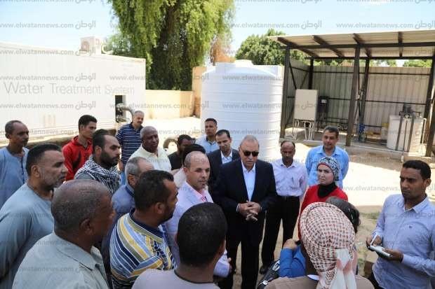 محافظ قنا: إقامة مشروع محطة مياه شرب جديدة في قرية حجازة