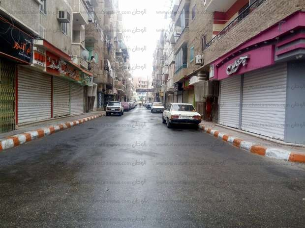 بالصور| خلو الشوارع والميادين من المارة بقنا بسبب سقوط الأمطار