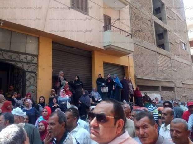 للمرة الثانية.. اعتصام عمال «محاجر الشرقية» احتجاجا على خفض رواتبهم