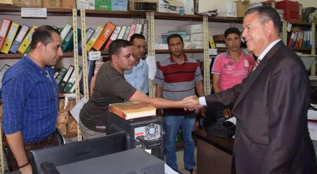 محافظ بني سويف: تطبيق مبدأ الثواب والعقاب في منظومة العمل