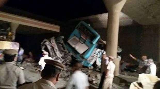 """""""صحة بني سويف"""": 25 سيارة إسعاف و67 طبيبا تعاملوا مع حادث الأتوبيس"""