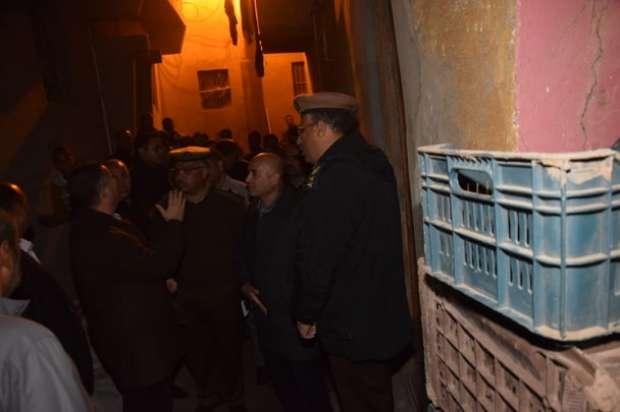 محافظ بني سويف يعاين منازل بني هارون المتصدعة و4 وحدات إيواء عاجلة