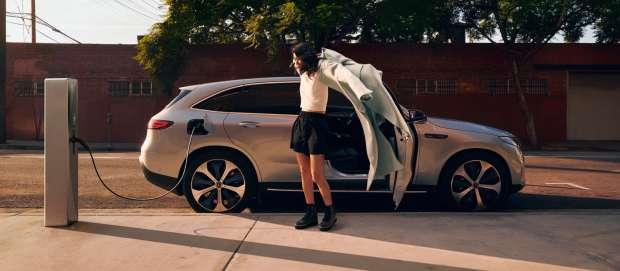 تعرف على سيارة مرسيدس EQC الكهربائية الجديدة طويلة المدى