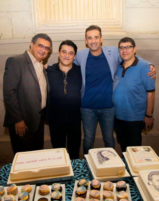 صور.. كريم عبدالعزيز يحتفل ببدء تصوير