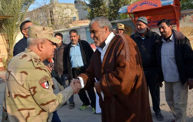 القائد العام للقوات المسلحة ووزير الداخلية في مدينة العريش