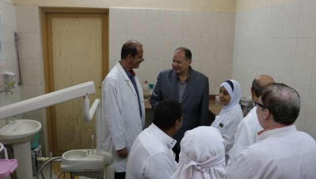 محافظ الفيوم يشدد على توفير الأدوية اللازمة واستراحات للمرضى بالمستشفى