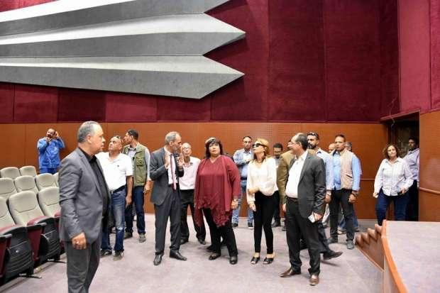 بالصور| وزيرة الثقافة تزور أكاديمية الفنون
