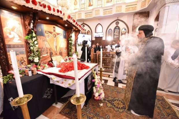 """صور  البابا تواضروس يطالب الأقباط بالتغيير في """"الجمعة العظيمة"""""""