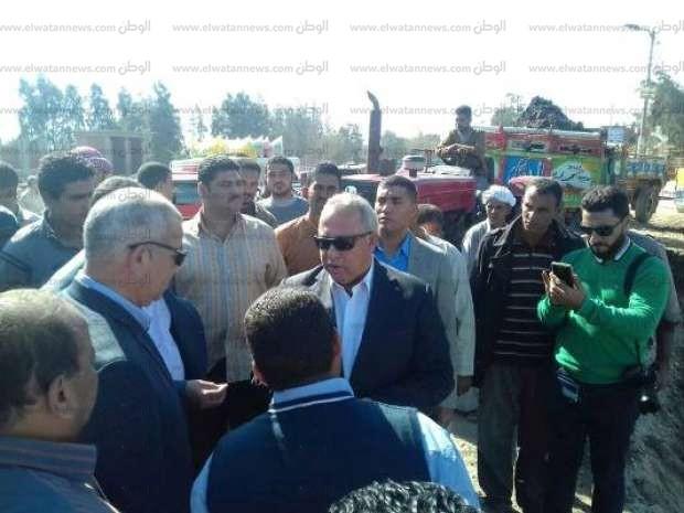 محافظ الشرقية يتفقد أعمال توسعة طريق فاقوس الحسينية
