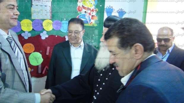 """مطران أسوان يدلي بصوته في """"محمد منير"""": جئت لأشارك في العرس الانتخابي"""