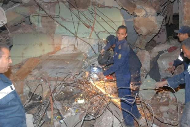 بالصور| محافظ أسيوط يقرر صرف إعانات عاجلة للمتضررين من انهيار عقار في صدفا