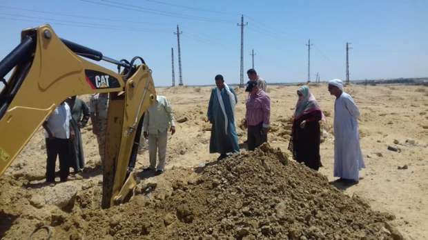 إزالة منازل حديثة البناء وأسوار مخالفة على أراضي زراعية بالفيوم