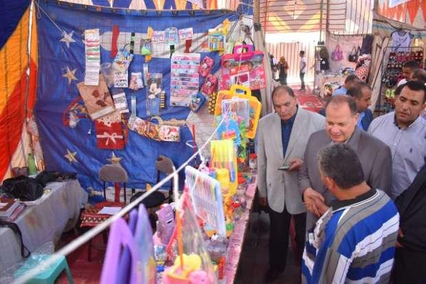 محافظ الفيوم يفتتح معرض جديد لبيع الأدوات المدرسية بأسعار مخفضة