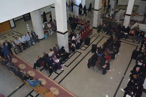 بالصور| سرادق عزاء بجامعة الفيوم لطالبة توفيت عقب سقوطها من مبنى كلية الآداب