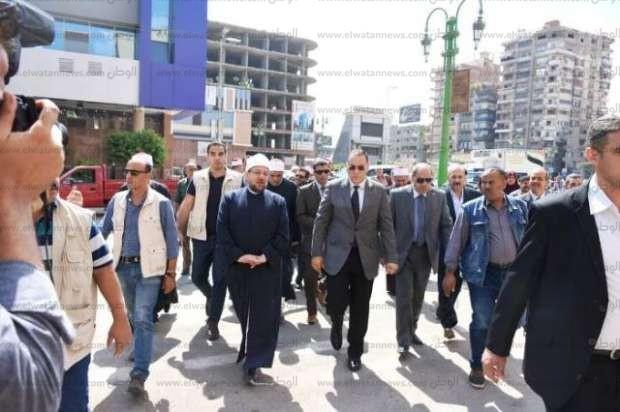 وزير الأوقاف يوزع 5 أطنان لحوم على الأسر المستحقة بالشرقية