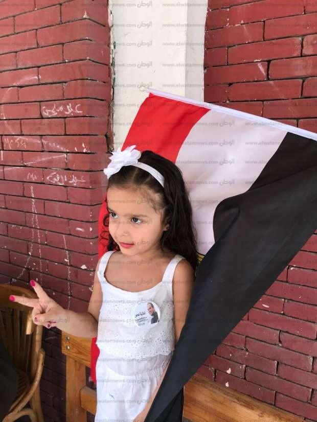 """تاليا طفلة الـ4 سنوات: """"السيسي هو اللي بيموت الإرهاب اللى عايز بموتنا"""""""