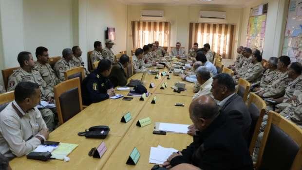 بالصور| محافظ الفيوم يكلف رؤساء المراكز والمدن بمراجعة تجهيزات الانتخابات