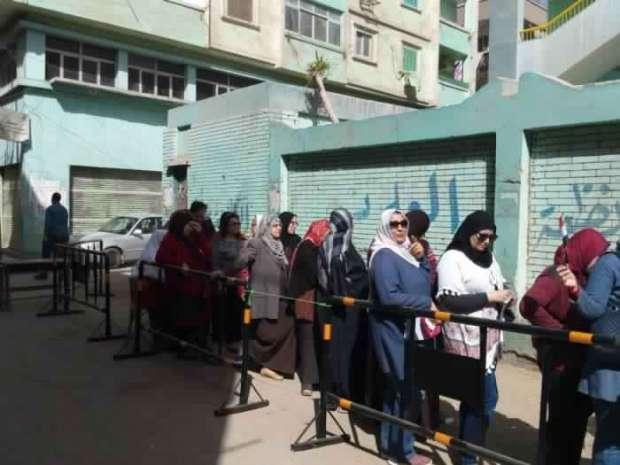 بالصور| تزايد إقبال المواطنين على لجان الانتخابات الرئاسية بالشرقية