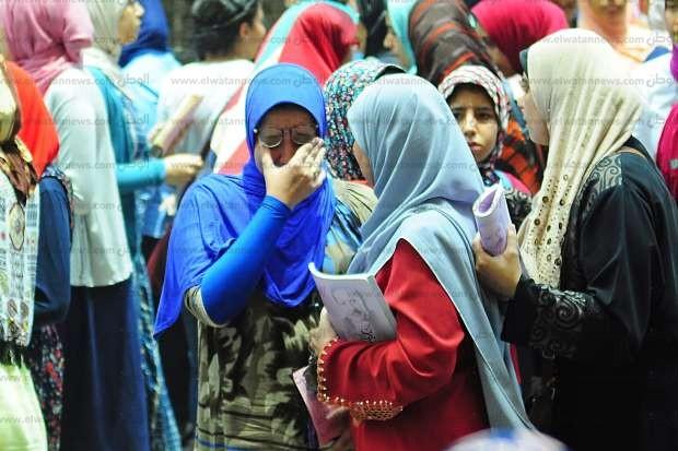 بكاء طلاب الثانوية بالإسكندرية بعد امتحان الكيمياء