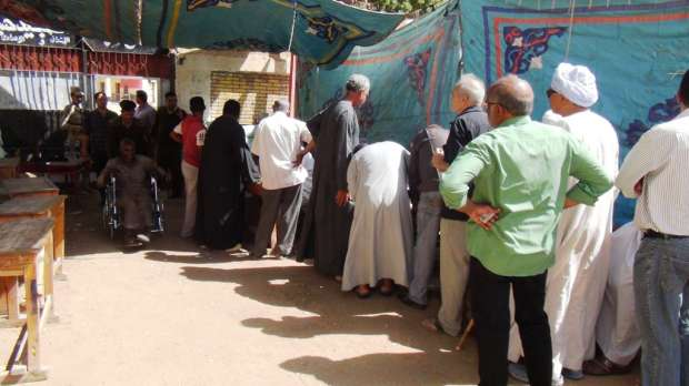 إقبال كبير من ذوي الإعاقة للمشاركة في انتخابات الرئاسة بأسوان