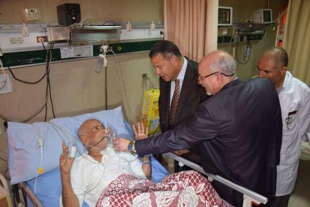 في أولى جولاته.. محافظ بني سويف يتفقد العمل بمستشفى التأمين الصحي