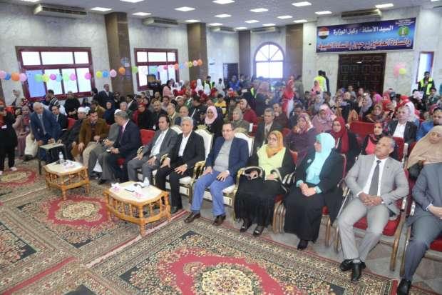 بالصور  جولة تفقدية لنائب وزير التعليم لشؤون المعلمين بالمحافظات