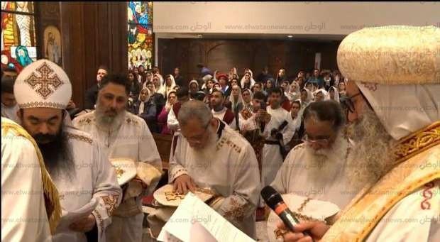 """تواضروس يدشن كنيسة ويرقي كهنة بـ""""ملبورن"""" في أخر أيام السنة القبطية"""