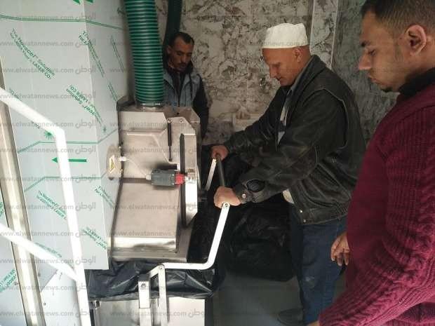 بالصور| تركيب جهاز لفرم وتعقيم النفايات الطبية الخطرة بمستشفى الزقازيق