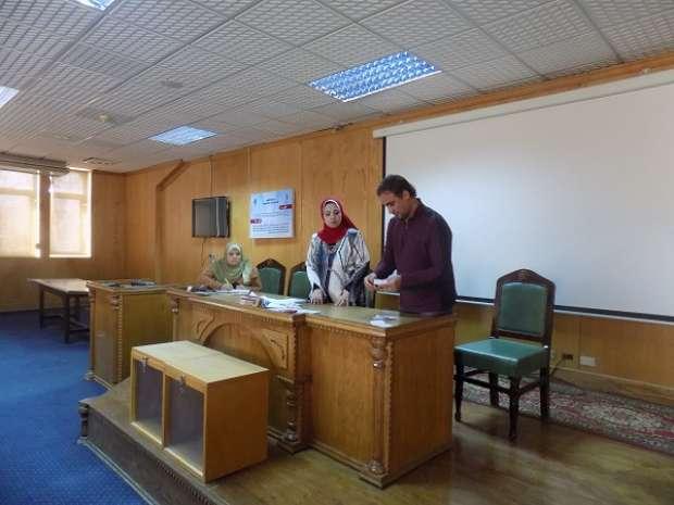 بالصور| إقبال متوسط على انتخابات أمناء اللجان في كليات الفيوم