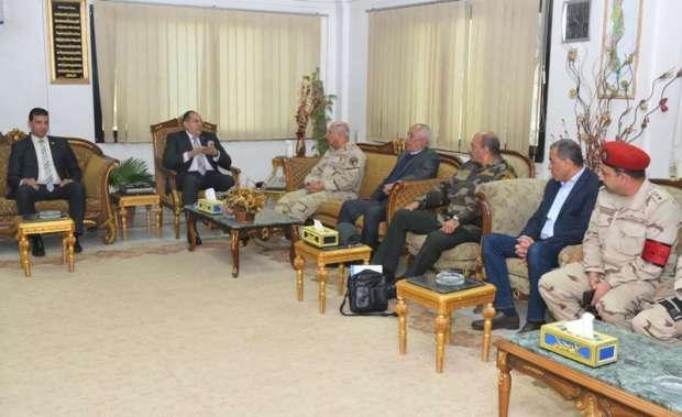 بالصور| رئيس الهيئة الهندسية للقوات المسلحة يتفقد كوبري طما في سوهاج
