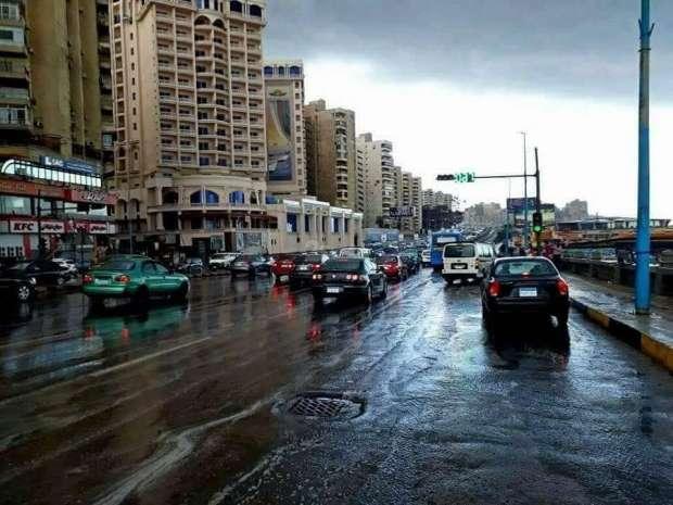 d3baa0f0a ... على مدينة الإسكندرية ظاهرة جديدة على هاني فريد، فقد تفاعل مع ظاهرة  الأمطار والثلوج بحماس شديد نظراً لقلة الأمطار في السنوات الماضية، رغم برودة  الجو هذا ...