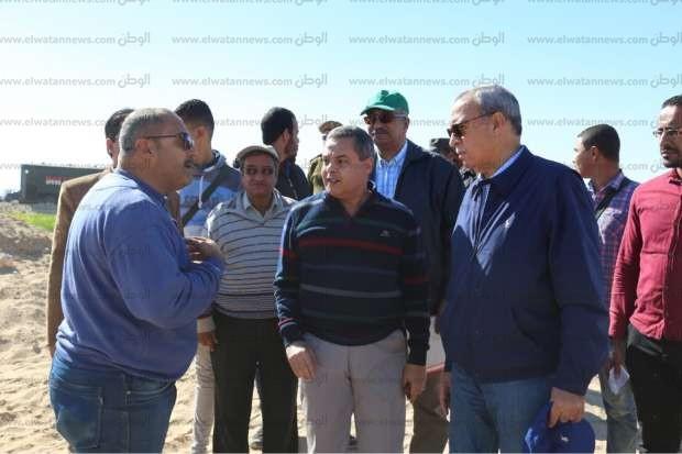 محافظ قنا: إزالة تعديات على 77 فدانا في المراشدة