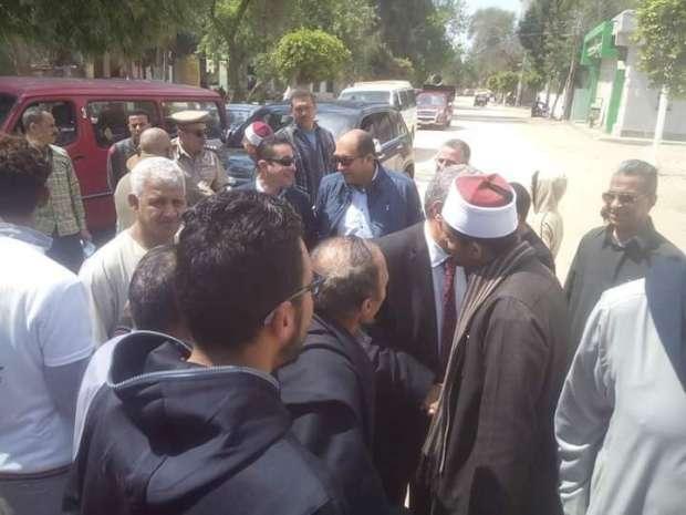 وزير التموين يتفقد لجان الاستفتاء في مسقط رأسه بالشرقية