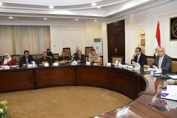 وزيرا الإسكان والآثار يتابعان مشروعات تطوير مناطق سقارة والمتحف الكبير