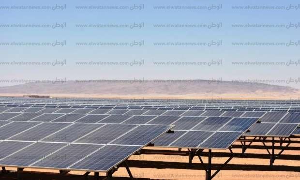 """تدشين التشغيل الفعلي لمحطة """"إنفنتي"""" للطاقة الشمسية في أسوان"""