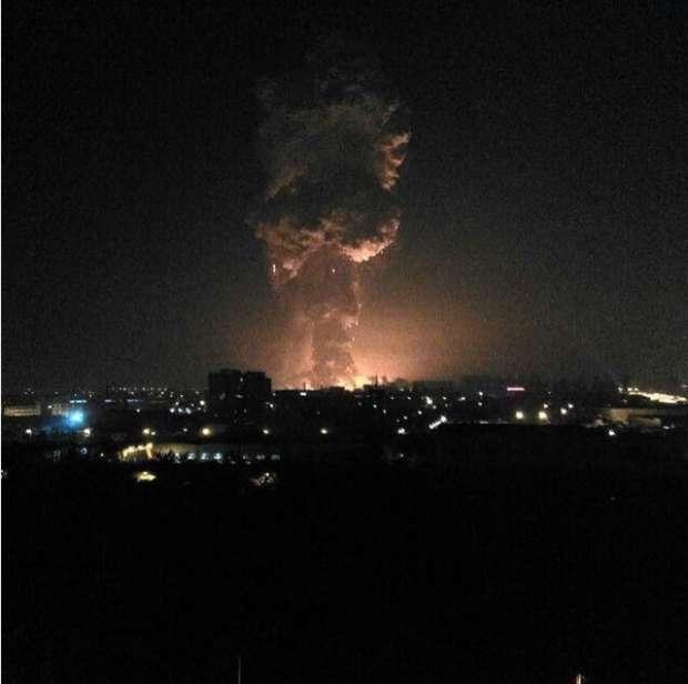بالصور| ألسنة اللهب الناتجة عن انفجار شحنة من المتفجرات في الصين