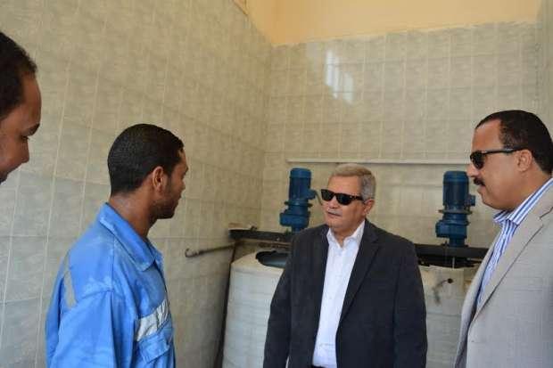 بالصور | رئيس الشركة القابضة لمياه الشرب والصرف في زيارة عاجلة لقنا