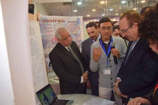 محافظ بني سويف: تشكيل مجلس لإدارة ملف الطلاب المخترعين