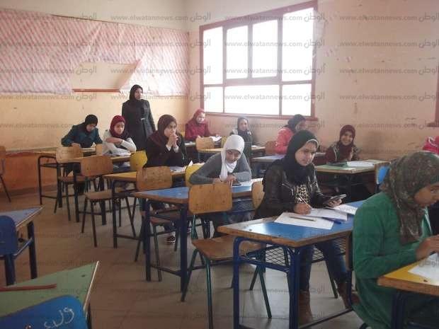 بالصور| محافظ الفيوم يعلن توفير 1156 فصل دراسي لتخفيض الكثافة الطلابية بالمدارس