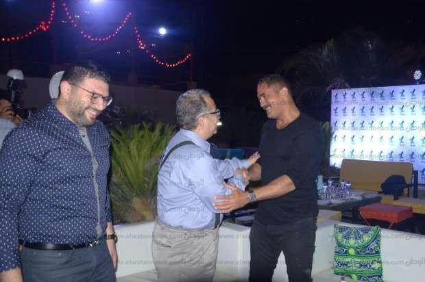 بالصور  هشام عباس يشعل سهرة رمضانية بحضور نجوم الفن والرياضة