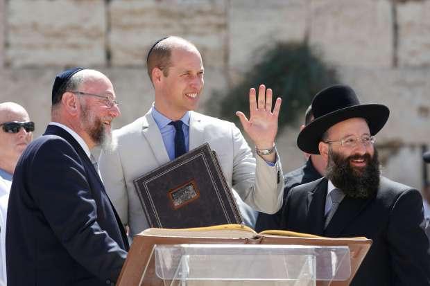 الأمير ويليام يزور الحرم القدسي - العرب والعالم - الوطن
