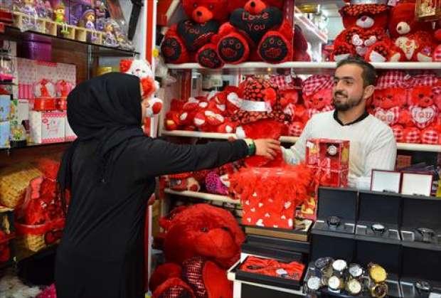 """بعدما كان محرما في زمن """"داعش"""".. الموصل تحتفل بعيد الحب"""