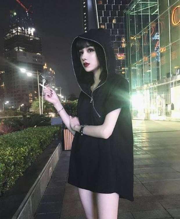 بالصور والفيديو| فتاة صينية أم دمية؟