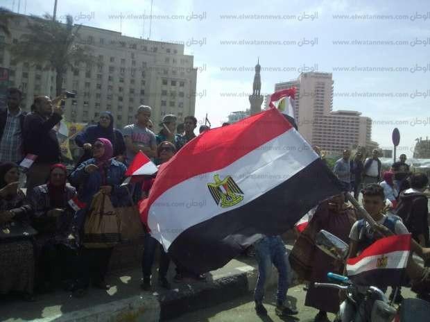 بالصور| أعلام مصر ترفرف في ميدان التحرير احتفالا بانتخابات الرئاسة