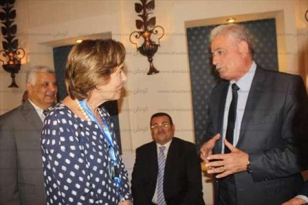 """""""فودة"""" يستعرض فرص استثمار وتنمية جنوب سيناء أمام 19 وكالة أنباء عالمية"""